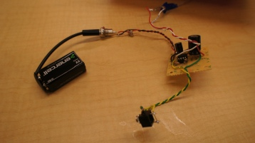 The amp can be powered by mains AC or a 9V Battery